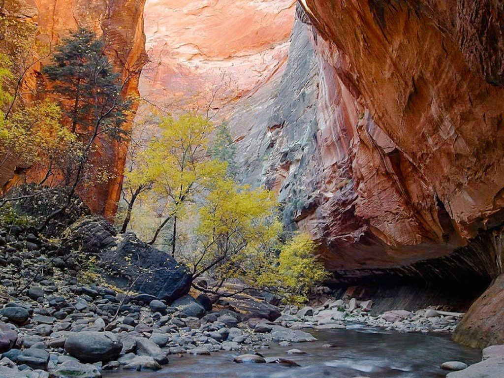 Introduction-to-Zion-National-Park-The-Narrows