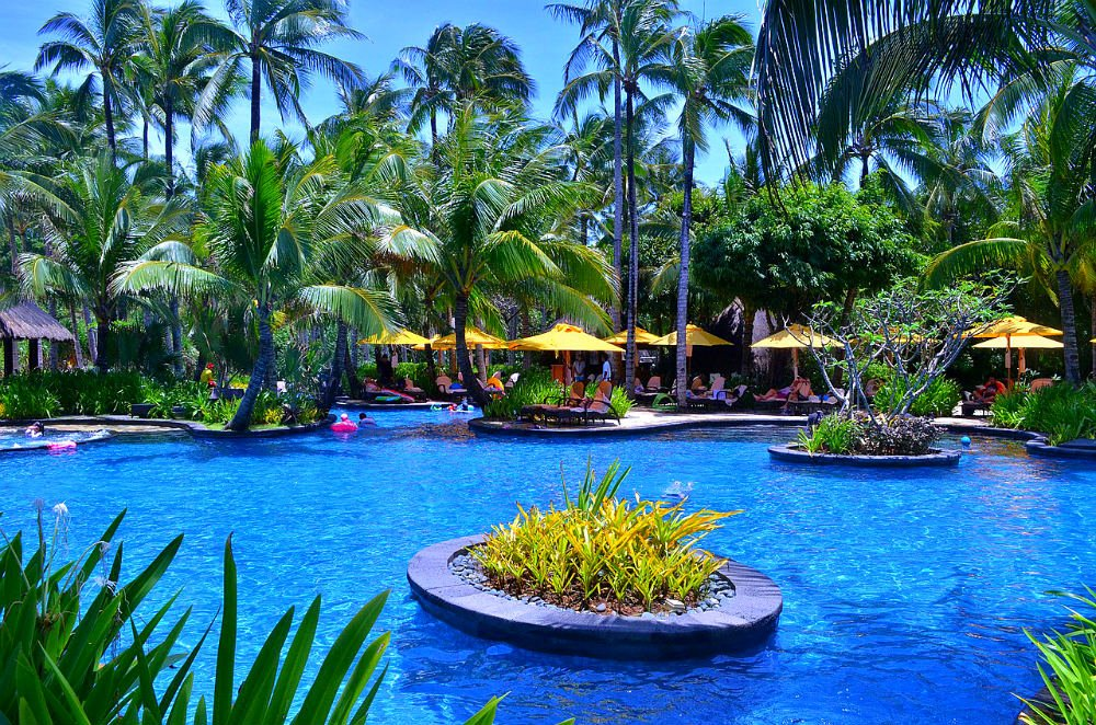 Beachfront Hotels in Boracay - Shangri-La's Boracay Resort and Spa