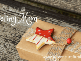 10 Gift Options for the moms in your life who love to travel