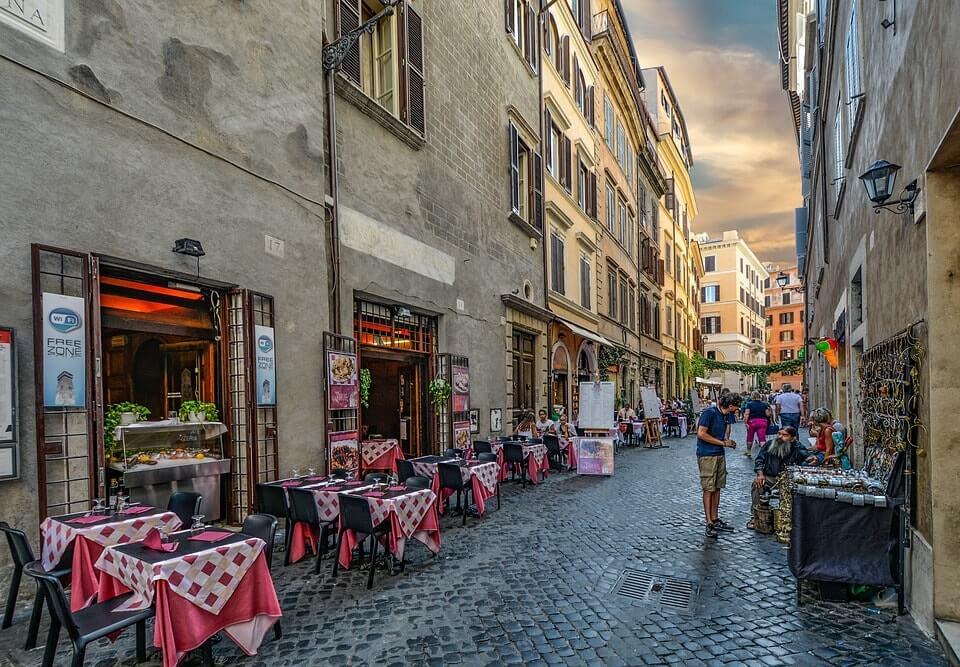 Walking tour Rome Italy