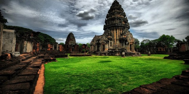 The Phimai historical park is a largest Khmer temples of Thailand