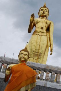 Songkhla-Hat-Yai-Statues-of-Buddhas