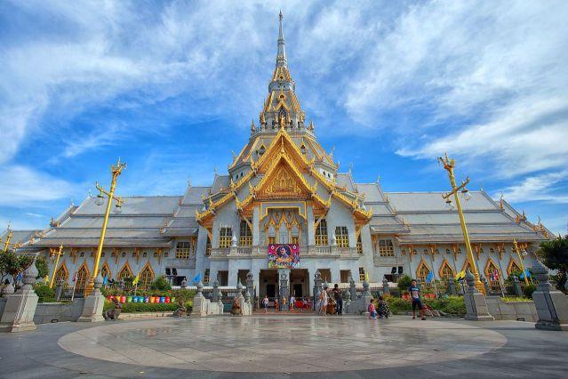 Wat Sothon Wararam Woraviharn in Chachoengsao
