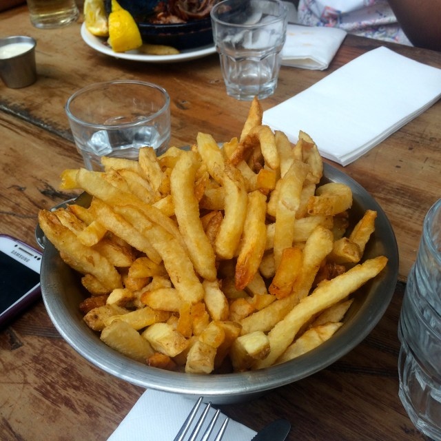 Huge bowl of chips with garlic aioli at Little Creatures Brewery