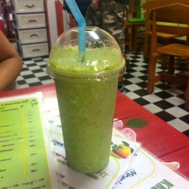 Green smoothie at Khunkae's juice bar