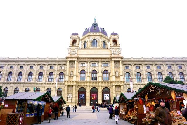 marienplatz-christmas-market-vienna