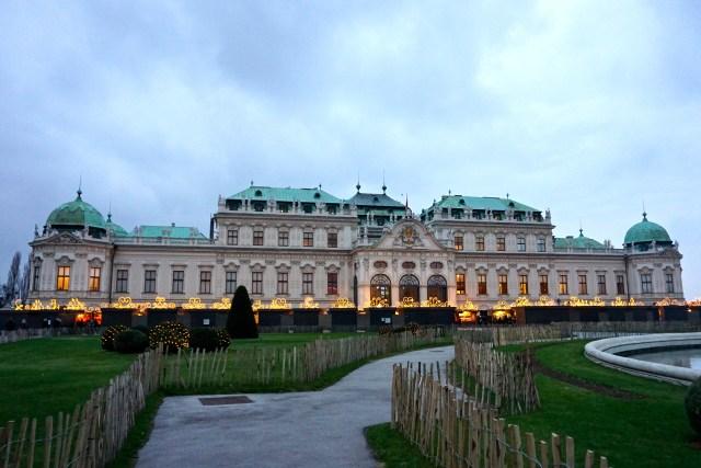 belvedere-christmas-market-vienna