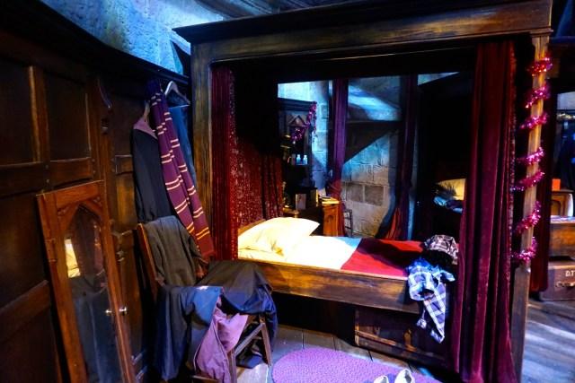 harry potter studios london gryffindor boys dormintory