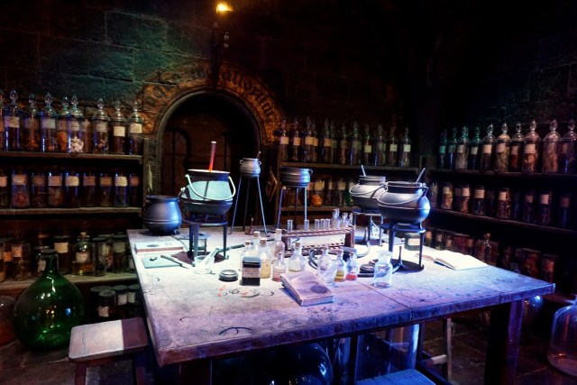 harry potter studios london potions classroom