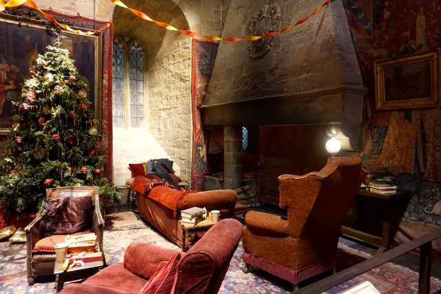 harry potter studios london gryffindor common room