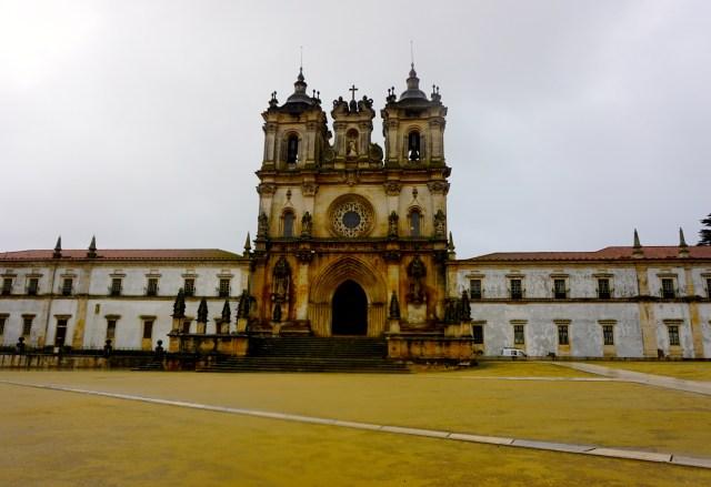hiring a car in portugal alcobaca
