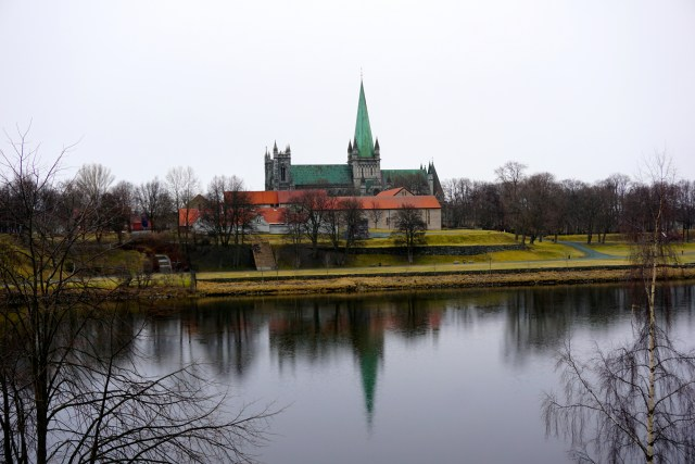 hurtigruten ms lofoten round voyage crossing the arctic circle trondheim nidaros cathedral