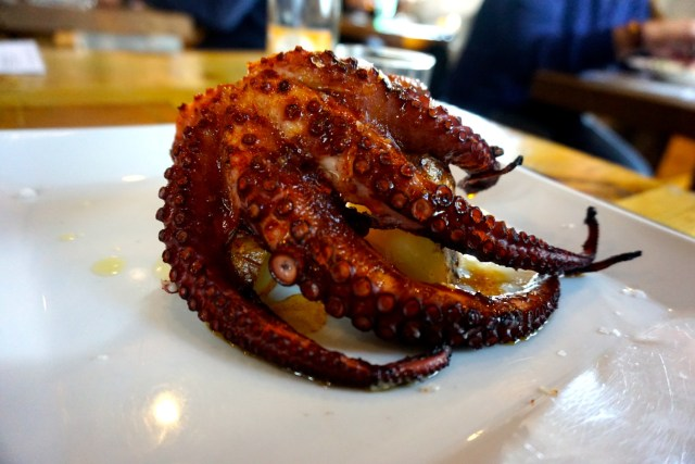 what to eat in Spain octopus