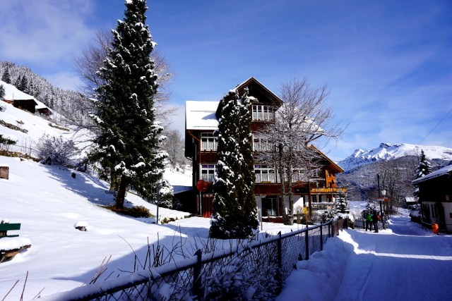 five days in switzerland -5 day itinerary for switzerland interlaken gimmelwald