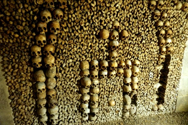 what to do in paris complete guide to paris catacombs