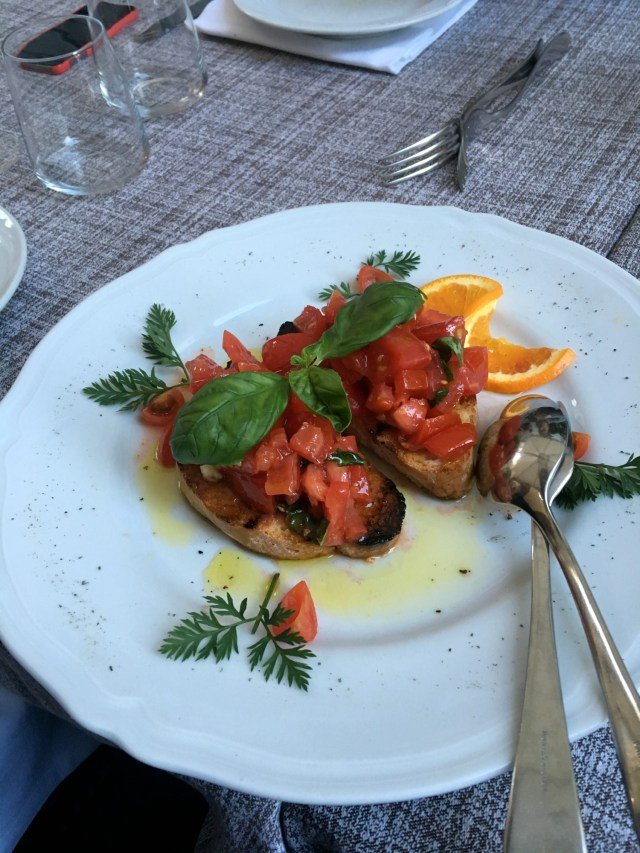 what to eat in italy bruschetta