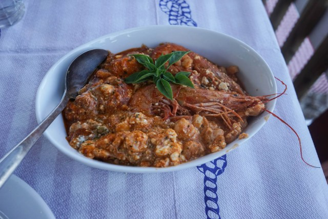 what to eat in greece prawns saganaki