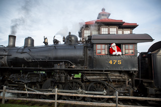 GIVEAWAY: Santa's Paradise Express with Strasburg Rail Road