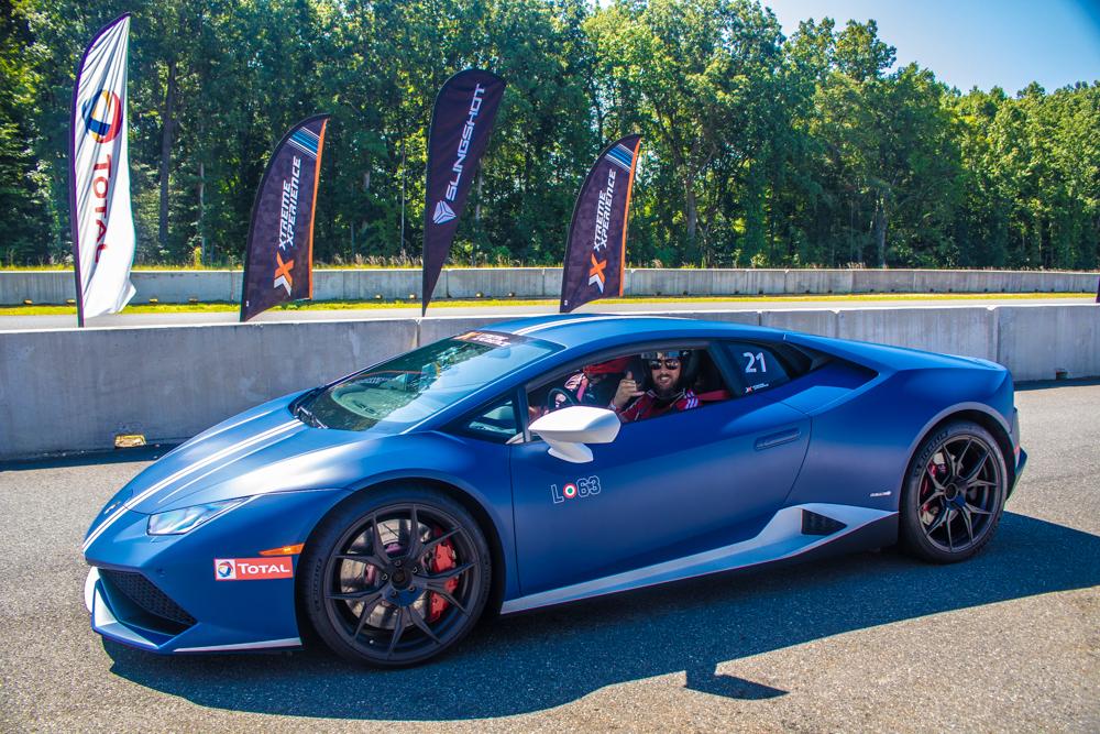 Blue Lamborghini Huracán