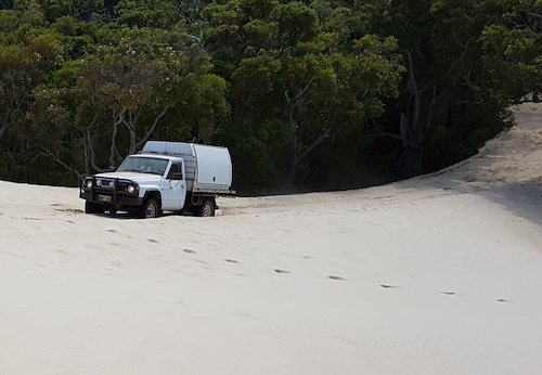 Andrew takes his GQ TD42 ute up onto Yeagarup Dunes