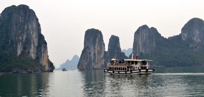 Kayaking in Ha Long Bay