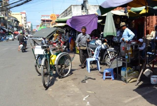 Phnom Penh road