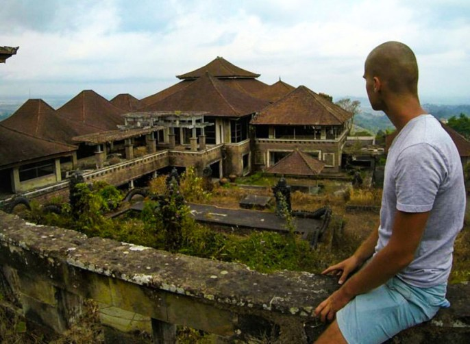 Exploring Bali's Abandoned Ghost Palace Hotel