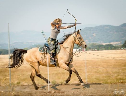 modern archer on horseback