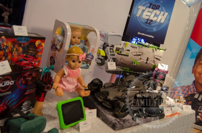 "Toy Insider Top ""Tech 12"" Toys of 2017"