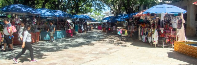 Outdoor mercado in Acapulco