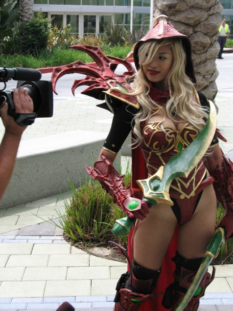 valeera-sanguinar-apotheosis-cosplay-posing