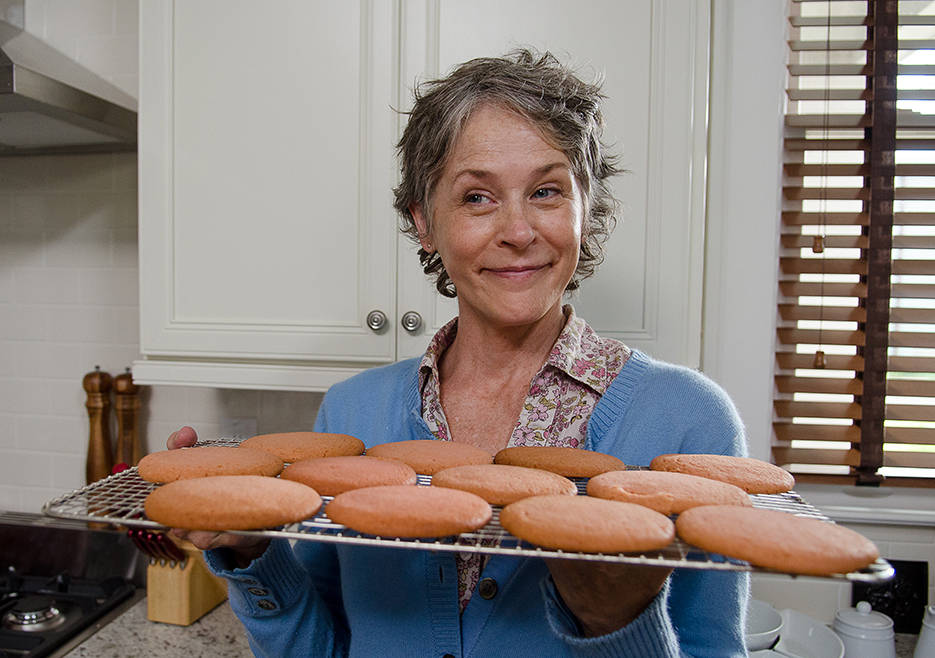 the-walking-dead-episode-612-carol-muffins