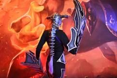 darkflame-shyvana-captain-izzy-cosplay-5