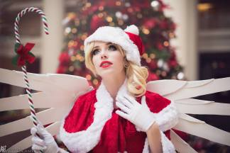 overwatch-christmas-mercy-by-megan-coffey