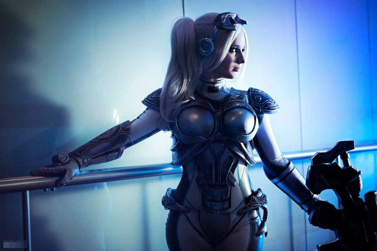 starcraft-ghost-cosplay-by-calypsen-4