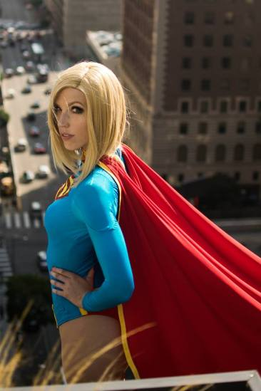 supergirl-cosplay-by-tali-xoxo-21