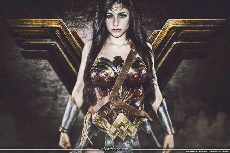 wonder-woman-cosplay-ambra-pazzani-featured