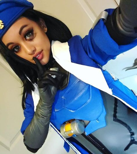 captain-amari-cosplay-lunar-crow-11