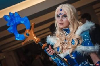 dota-2-crystal-maiden-cosplay-by-akina-gasai-16