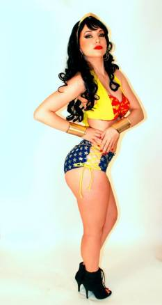 wonder-woman-by-cosplay-butterfly-10