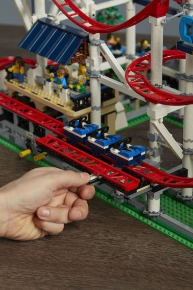 10261_SKU Focus_Slide over The Tracks 001-min