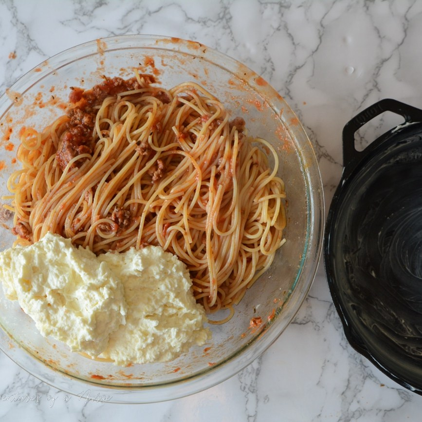 Spaghetti-with-cheese-and-meat-sauce-1