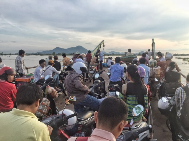 The ferry ride from Kampong Chhnang to Kampong Leaeng District.