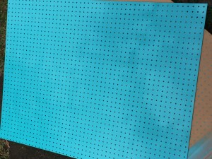 DIY craft pegboard with an added color for some pizazz! It will make the perfect addition to my craft room.
