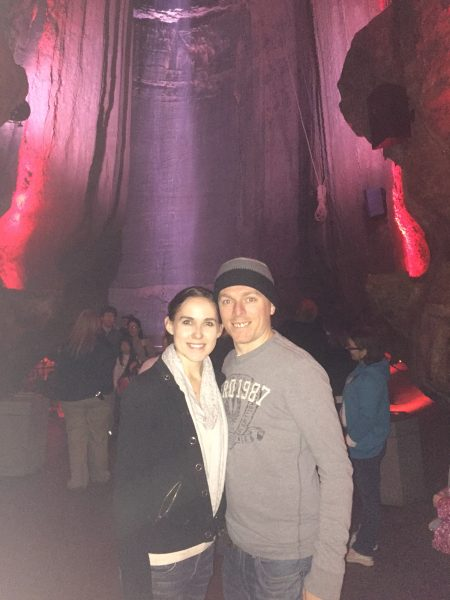 couple in cave at rock city