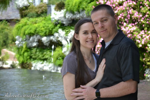 botanical gardens photoshoot in City park, New orleans. See more engagement photo poses and more fun couple photoshoot ideas