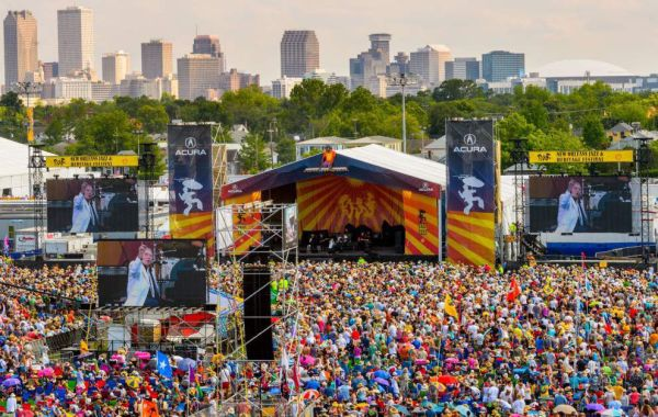 New Orleans Jazz Fest is one of the top festivals in New Orleans. Immerse yourself in the culture, food, and music that New Orleans has to offer.