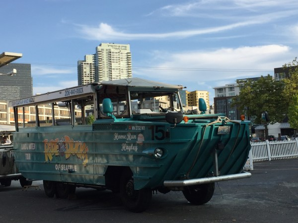 duck tour boat seattle
