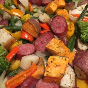 One pan turkey sausage and vegetables is a delicious healthy meal that is full of flavor! #onepanrecipes #easyrecipes #30minmeals