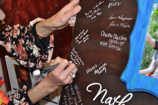 DIY wooden wedding guestbook is an amazing alternative to display one of the best days of your life. Budget-friendly and easy to assemble, it's the perfect keepsake to cherish for years to come.